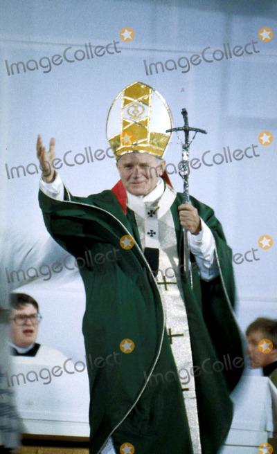 John Paul Photo - Pope John Paul Ii Photo Gary Bloomfield-Globe Photos Inc 1982