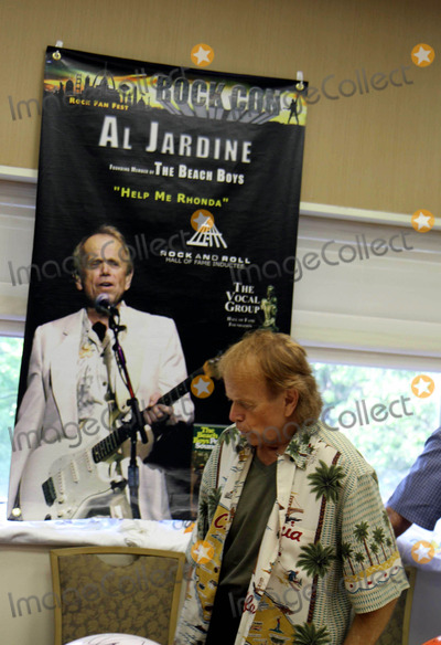 Al Jardine Photo - AL Jardine at Rock Conthe National Rock and Roll Fan Fest at Shea Ration Meadowlands East Rutherford NJ 07-30-2010 Photo by John BarrettGlobe Photos Inc2010