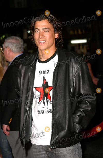 Andrew Keegan Photo - Andrew Keegan - Exorcist - the Beginning - World Premiere - Graumans Chinese Theater - Hollywood CA - 08182004 - Photo by Nina PrommerGlobe Photos Inc2004