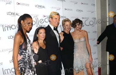 Cathleen Black Photo - I9275KBATHE 2ND ANNUAL LEGENDS GALA PRESENTED BY LOREAL PARIS AND OVARIAN CANCER RESEARCH FUND AT THE METROPOLITAN PAVILLION AND ALTMAN BUILDING IN NEW YORK CITY ON NOVEMBER 4 2004  PHOTO BY KEN BABOLCSAYIPOLGLOBE PHOTOS INC 2004JANINE GREEN DONNA KARAN CATHLEEN BLACK AND MILLA JOVOVICH