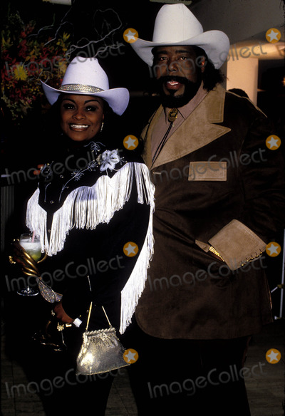 Barry White Photo - Barry White and Wife 1988 Photo by Phil Roachipol Inc