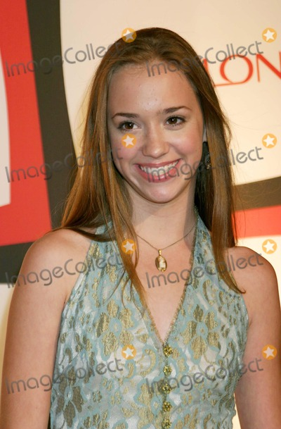 Andrea Bowen Photo - Entertainment Weekly Second Annual Pre-emmy Party Atthe Hollywood Athletic Club Hollywood California 091804 Photo by Ed GelleregiGlobe Photos Inc 2004 Andrea Bowen (Desperate Housewives)