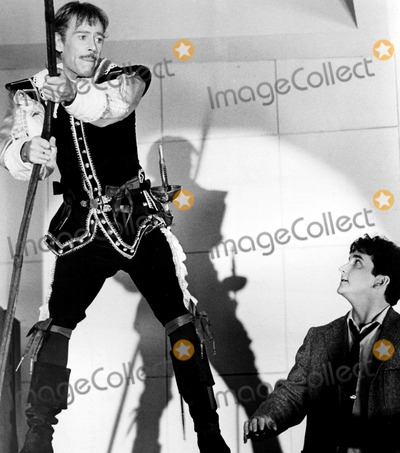 Peter OToole Photo - Peter Otoole and Mark Linn-baker in My Favorite Year 1982 Supplied by SmpGlobe Photos Inc Peterotooleretro