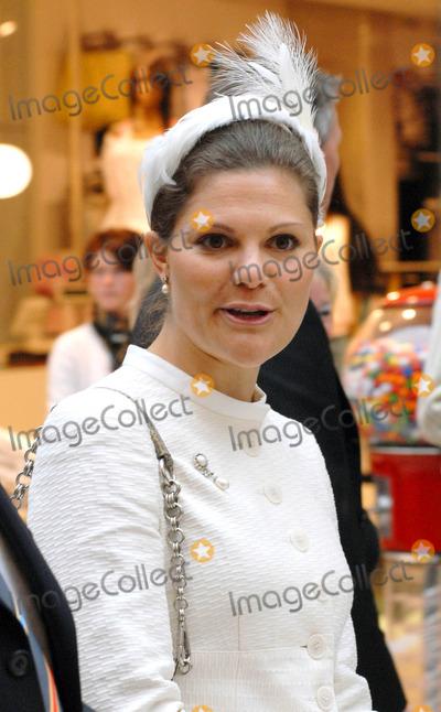 Princess Victoria of Sweden Photo - Visit to Fiels Shopping Centre-swedish State Visit-restaden Copenhagen Denmark 05-10-2007 Photo by Ricardo Ramirez-richfoto-Globe Photos Inc Princess Victoria of Sweden