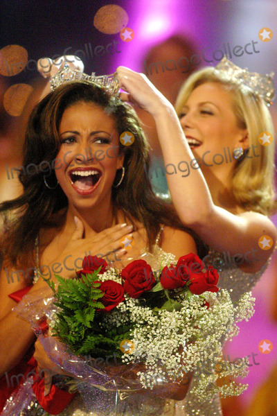 Erika Harold Photo - Sd0921 Miss America Pageant Atlantic City Beachnj Photojohn BarrettGlobe Photos Inc 2002 Erika Harold Miss America 2003