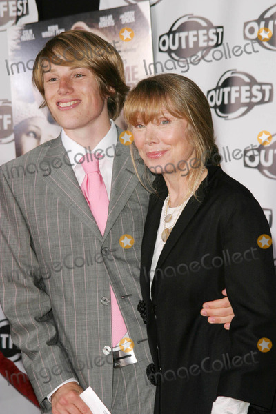 Harris Allen Photo - Harris Allen Sissy Spacek - a Home at the End of the World - Los Angeles Premiere - Manns Chinese Theater Hollywood CA - 07192004 - Photo by Nina PrommerGlobe Photos Inc2004
