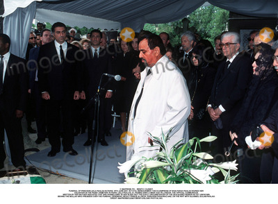 Prince Ali Photo - IMAPRESS PH   BENITO  CLEMOTFUNERAL OF PRINCESS LEILA PAHLAVI IN PARIS 16TH JUNE 2001 IN TOTAL BEREAVEMENT THE EX-EMPRESS OF IRAN FARAH PAHLAVI BURIED HER DAUGHTER IN THE PASSY CEMETERY IN PARIS LEILA PAHLAVI 31 PASSED AWAY A WEEK AGO IN LONDON THE OFFICIAL COMMUNIQUE WRITTEN BY HER MOTHER INDICATED THAT SHE PASSED AWAY IN HER SLEEP BUT THE EXACT CIRCUMSTANCES OF THE DEACEASED REMAIN AS YET UNKNOWNBEHIND THE MOLLAH WHO PRESIDES OVER THE FUNERAL CEREMONY REZA II PRINCE ALI REZA PRINCESS FARAHNAZ AND ON THE RIHT WITH GLASSES GOLAM PAHLAVICREDIT IMAPRESSCLEMOTBENITOGLOBE PHOTOS INC