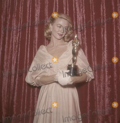 Dorothy Malone Photo - Dorothy Malone K6385 Supplied by Globe Photos Inc