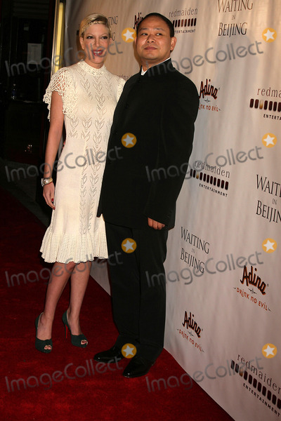 Alan Zhang Photo - Waiting in Beijing North American Premiere Fine Arts Theatre Beverly Hills CA 121008 Tori Spelling and Alan Zhang-director Photo Clinton H Wallace-photomundo-Globe Photos Inc