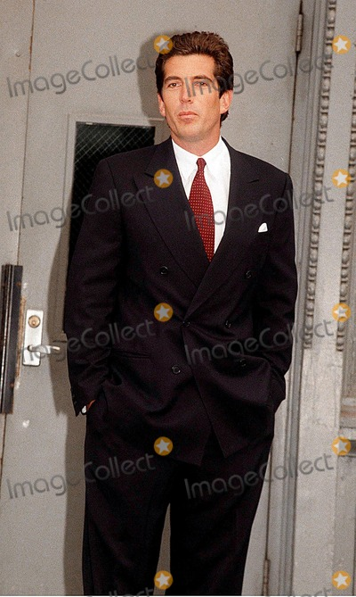 Kennedy Photo -  John F Kennedy Jr Back From His Two Week Honeymoon with Carolyn Besstte-kennedy Photojohn BarrettGlobe Photos Inc 1996