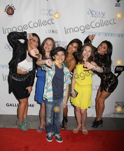 Bully Photo - Cassie Scerbo Hosts Boo2bullyings Take a Bite Out of Bullying Fall Global Campaign Launch Los Angeles Lgbt Center Los Angeles CA 07302015 Cassie Scerbo with Hunter Payton and Bianca Dambrosio and Chiara Dambrosio Clinton H Wallace-ipol-Globe Photos Inc