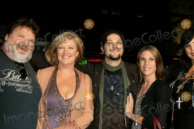 Bam Margera Photo - BAM MARGERA (CENTER) AND FAMILY (HE INDICATED THAT HE HAD AN AFFAIR WITH JESSICA SIMPSON WHILE SHE WAS STILL MARRIED) -JACKASS NUMBER TWO - WORLD PREMIERE -GRAUMANS CHINESE THEATER HOLLYWOOD CALIFORNIA - 09-21-2006 -PHOTO BY NINA PROMMERGLOBE PHOTOS INC 2006K49803NP