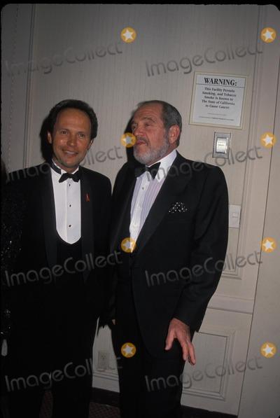 Alan King Photo - Billy Crystal and Alan King1993 Photo by Michael FergusonGlobe Photos Alankingretro