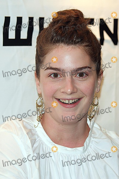GABBY HOFFMAN Photo - Whitney Museum Contemporaries Host Annual Art Party and Auction Benefiting the Whitney Independent Study Program(isp)was Held at Splashlight Studios New York City 05-05-2005 Photo John Barrett-Globe Photos Inc 2005 Gabby Hoffman