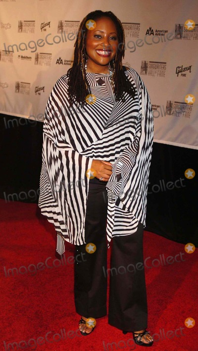Lalah Hathaway Photo - 2005 Songwriters Hall of Fame Awards Marriott Marquis Hotel New York City 06-09-2005 Photo by John Krondes-Globe Photos 2005 Lalah Hathaway