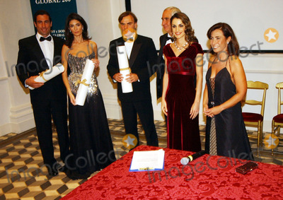 The Alps Photo - QUEEN RANIA OF JORDANIN ROME fascinating Jordans Queen rania 32 year-old since becoming Queen hasworked tirelessly on behalf of both her country and numerpous charitiesLast night was no exception She attended a big event at Villa Aureliain Rome  invited by Fulco Pratesi President of WWF the famousorganization that take care of animals Many guests attended the eventand paid a 250  ticket the amount will finance a great WWF project onthe AlpsPHOTO MEDIAGLOBE PHOTOS INC 2002 SrlVia Lovanio 19 - 00198 RomaK26889