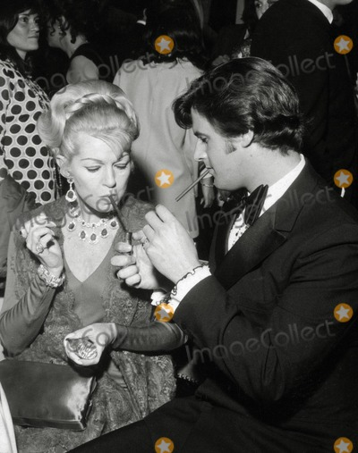 Lana Turner Photo - Lana Turner and Taylor Pero Photo Nate CutlerGlobe Photos Inc