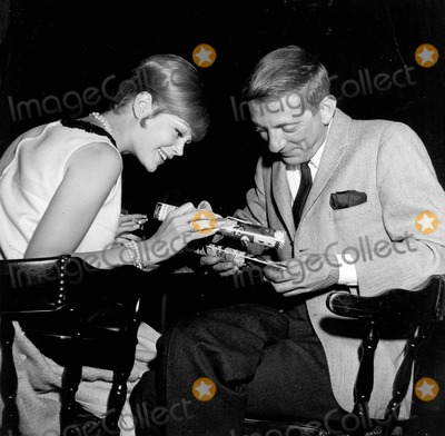 Aaron Spelling Photo - Aaron Spelling with Candy Marer E867-8 Supplied by Globe Photos Inc