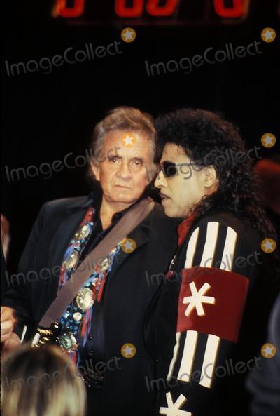 Little Richard Photo - Rock and Roll Hall of Fame 011592 Johnny Cash and Little Richard Photo by John BarrettGlobe Photos Inc 1992 Johnnycashretro