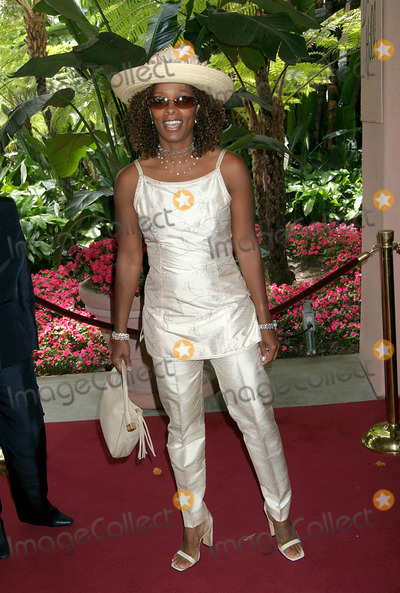 Vanessa Bell Calloway Photo - High Tea by Victoria Rowell at the Beverly Hills Hotel in Beverly Hills California 051604 Photo by Ed GellerGlobe Photos Inc 2004 Vanessa Bell Calloway