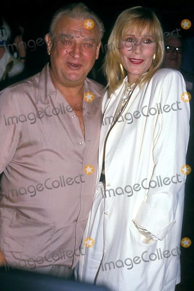 Rodney Dangerfield Photo - Photo John Barrett Globe Photos Inc 1986 Rodney Dangerfield and Sally Kellerman
