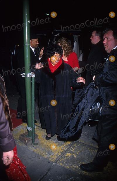 Nell Carter Photo - V-day 2001 Post Performance at the Hammerstein Ball Room New York City 2102001 Photo John B Zissel  Ipol Globe Photos Inc 2001 Nell Carter Nellcarterretro