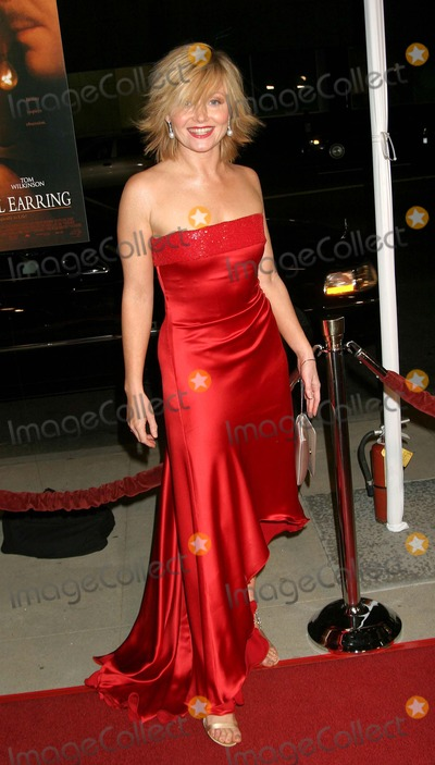 Essie Davis Photo - Girl with a Pearl Earring LA Premiere the Academy of Motion Pictures Arts  Sciences Samuel Goldwyn Theater Beverly Hills California 121003 Ed GelleregiGlobe Photos Inc 2003 Essie Davis (Actress From Film)
