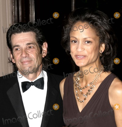 Anne-Marie Johnson Photo - 03 December 2006 - New York NY USA - A Rosenberg and Anne Marie Johnson attends as the Museum of the Moving Image salutes Will Smith  This being the Museums 22nd annual gala held in the Grand Ballroom of the Waldorf-Astoria which will air on Bravo 011207  Photo Credit  Anthony G MooreGlobe PhotosK50976AGM