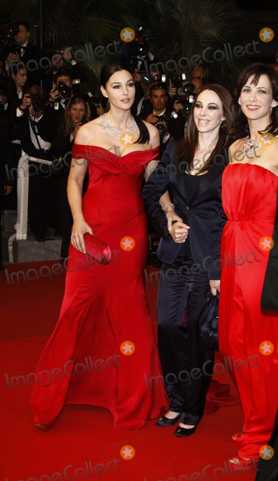Andrea Di Stefano Photo - Dont Look Back (Ne Te Retourne Pas) Premiere at the 2009 Cannes Film Festival at Palais Des Festival Cannes France 05-16-2009 Marina DE Van Monica Bellucci Sophie Marceauand Andrea Di Stefano Photo by Alec Michael-Globe Photos Inc 2009