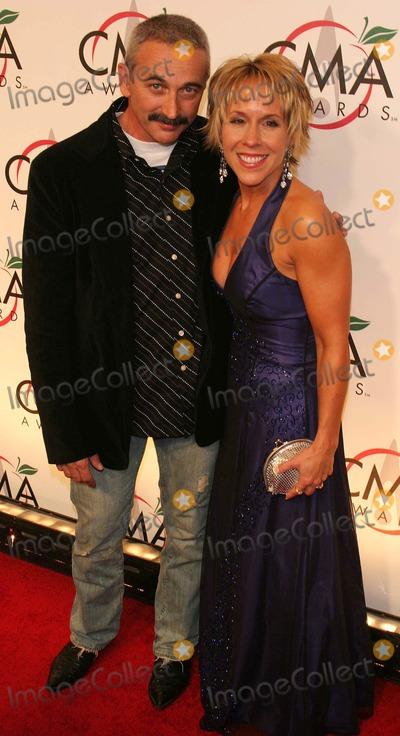 Aaron Tippin Photo - Cma (Country Music Awards) Arrivals at Madison Square Garden New York City 11-15-2005 Photo by John Barrett-Globe Photos 2005 Aaron Tippin