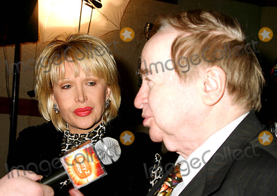 Gennifer Flowers Photo - the Orignal Tape of Elvis Presleys First Studio Recording to Be Cut Preservered and Sold to the General Public at the Nola Studios  New York City 01272004 Photo by Mitchell LevyrangefindersGlobe Photosinc Joe Franklin_gennifer Flowers