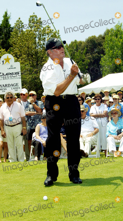 James Garner Photo - James Garner Celebrity Hole-in-one Golf Tournament Presented by Lexus  Benefitting the Motion Picture and Television Fund at the Ojai Valley Inn and Spa Ojai CA June 30 2002 Photo by Nina PrommerGlobe Photos Inc2002