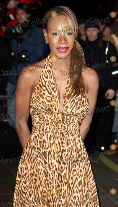 Amma Asante Photo - Amma Asante Evening Standard Film Awards 2005 -Savoy Hotel London 2-6-2005 Photo Byhenry Davenport-globelinkuk-Globe Photos Inc 2005