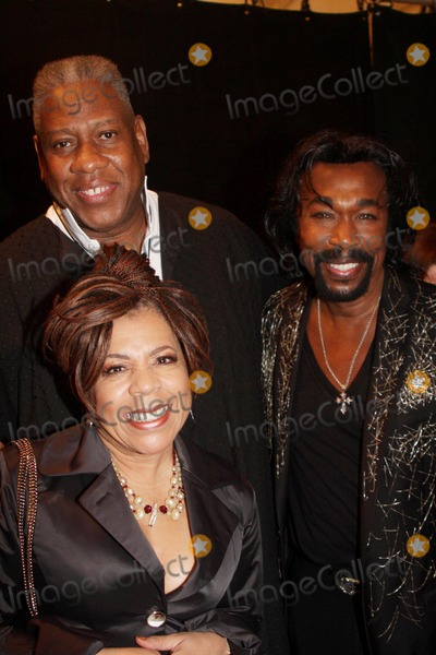 Nickolas Ashford Photo - Mercedes-benz Fashion Week Spring 2010 Chado Ralph Rucci - Front Row and Backstage at Bryant Park 09-12-2009 Photo by Barry Talesnick-Globe Photos Inc Andre Leon Talley with Valerie Simpson and Nickolas Ashford