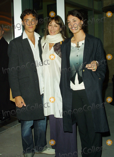 Jack Huston Photo - Anjelica Huston with Her Niece Laura and Nephew Jack Huston Triumph of Love - Premiere Afterparty Arclight Theater Hollywood CA April 11 2002 Photo by Nina PrommerGlobe Photos Inc2002