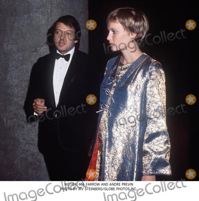 Andre Previn Photo -  Mia Farrow and Andre Previn Photo by Irv SteinbergGlobe Photosinc