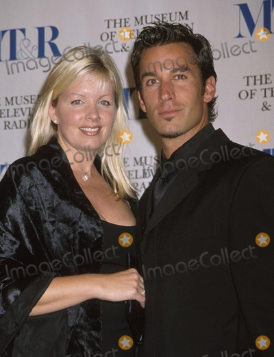 Dan Cortese Photo -  Museum of Television and Radios Sixth Annual Gala Salutes James Borrows and Martin Sheen Beverly Hills Hotel Beverly Hills CA 11112001 Dan Cortese and Wife Dee Dee Photo by Ed GellerGlobe Photosinc