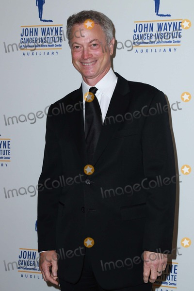 John Wayne Photo - Gary Sinise attends 30th Annual John Wayne Odyssey Ball on April 11th 2015 at the Beverly Wilshire Hotel in Beverly Hills California UsaphotoleopoldGlobephotos