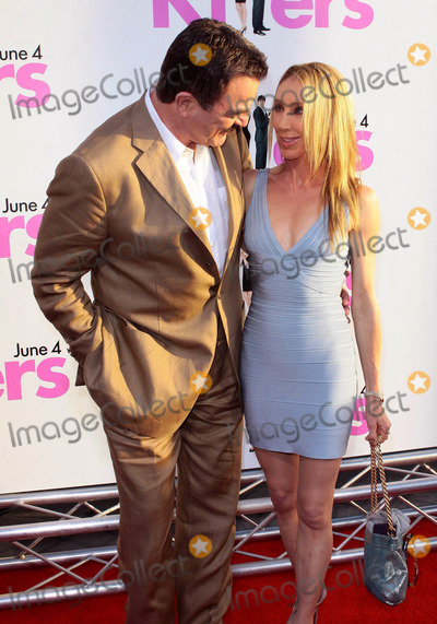 Jillie Mack Photo - Tom Selleck and Jillie Mack Killers Los Angeles Premiere - Arrivals Held at the Cinerama Dome Hollywood California 06-01-2010 Photo by Tleopold-Globephotos Inc 2010