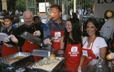 Heather Lauren Olson Photo -  the Annual Los Angeles Missions Annual Thanksgiving Meal For the Homeless LA Missoin LA CA 11212001 Richard Riordan David Dreier Heather Lauren Olson and Apollonia Photo by Milan Rybaglob Ephotosinc
