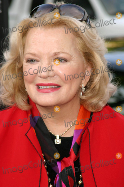 Gena Rowlands Photo - Gena Rowlands - the Notebook - World Premiere - Mann Village Theater Westwood CA - 06212004 - Photo by Nina PrommerGlobe Photos Inc2004