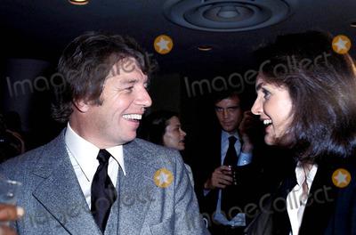 Jackie Onassis Photo - Pete Hamill and Jacqueline Kennedy Onassis Photoipol  Globe Photos 1979 Inc Jacquelinekenndeyonassisretro