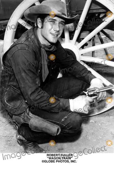 Robert Fuller Photo - Robert Fuller Wagon Train Globe Photos Inc