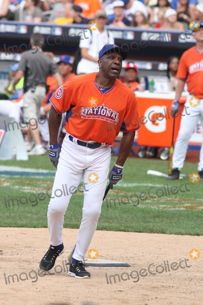 Andre Dawson Photo - Andre Dawson at All-star Legends and Celebrity Softball Game at Citi Field 7-14-2013 John BarrettGlobe Photos
