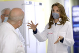 Photo - Kate Duchess of Cambridge Visit to Institute of Reproductive and Development Biology