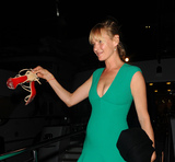 Photo - Uma Thurman and Andre Balazs in Cannes France