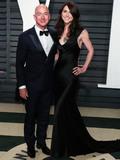 Photo - (FILE) Amazon CEO Jeff Bezos and wife MacKenzie to divorce