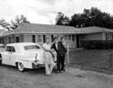 Photo - Elvis Presley with His Parents Globe Photos Inc